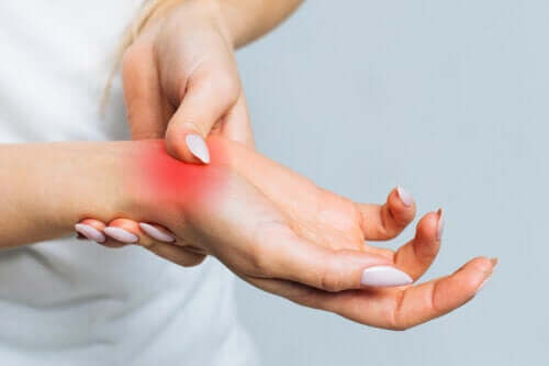 7 Natural and Topical Remedies for Carpal Tunnel Relief