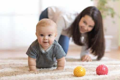 Tips to Encourage Your Baby to Crawl
