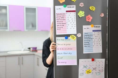 How to Make an Organizing Board for Your Kitchen