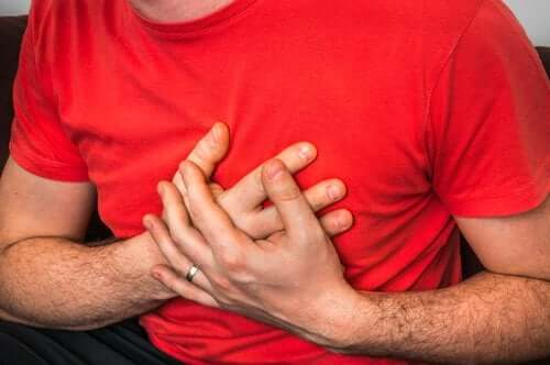 The Causes of Chest Pain When Coughing