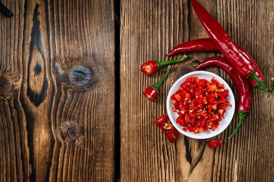 A bowl of chopped chili.