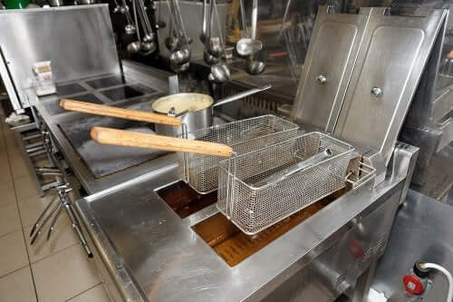 How to Clean Your Deep Fryer Easily