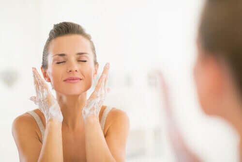 If you want to keep your skin looking young at 40, make sure to wash it every day.