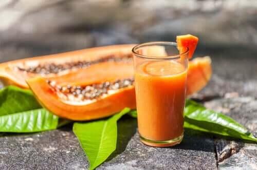 Papaya and oat smoothie.