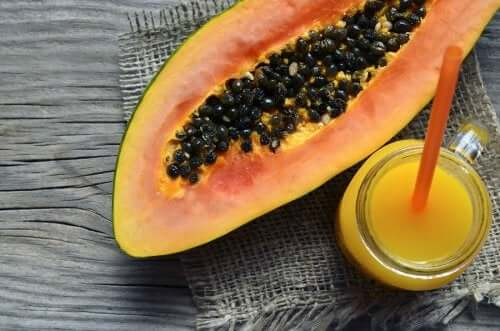 Learn How to Make Three Yummy Papaya Smoothies