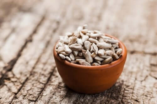 Sunflower seeds for vegetable-based liquid creams