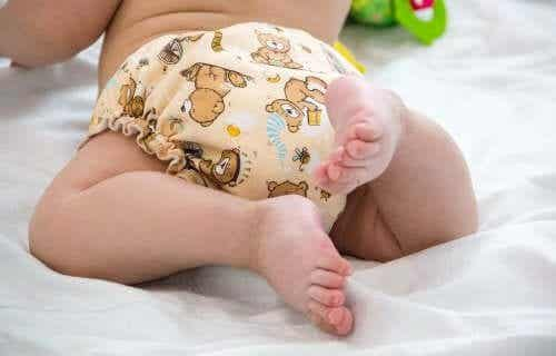 The Advantages and Disadvantages of Cloth Diapers