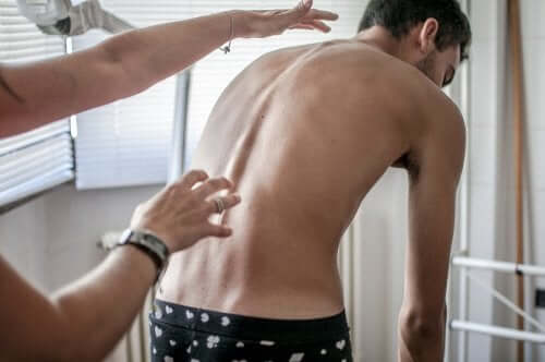 Four Basic Exercises to Prevent Scoliosis