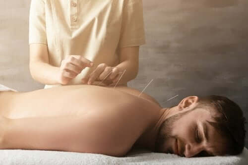 How Does Acupuncture Help to Treat Joint Pain?