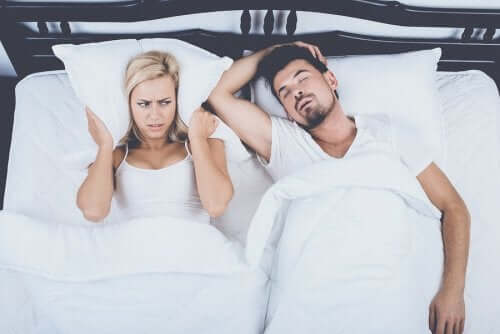Four Alternative Treatments to Control Snoring