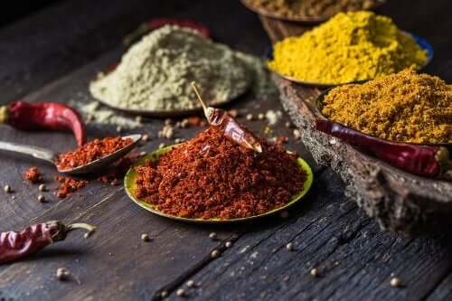 5 Natural Spices to Help Combat Knee Pain