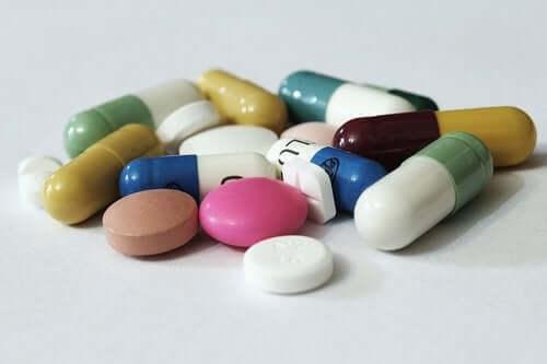 Several drug tablets.
