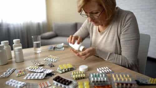 Self Medication and its Health Risks