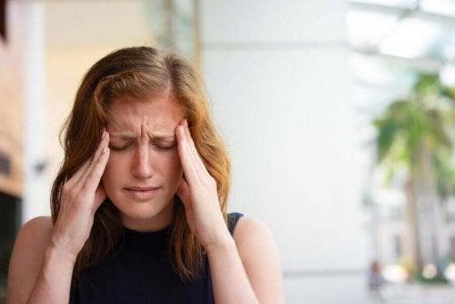 Huvudvärk är ett vanligt tecken på medicinförgiftning