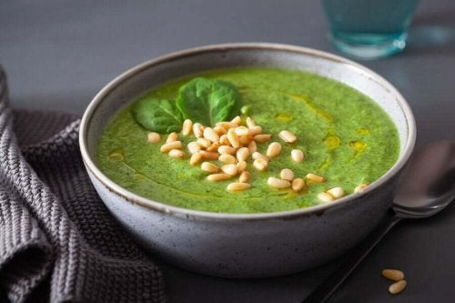 Cream of vegetable recipes are very easy to prepare cream of spinach.