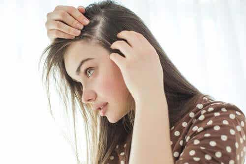 Graying of Hair: Why Does it Happen?