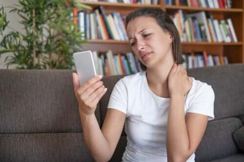 Text Neck Syndrome: Prevention