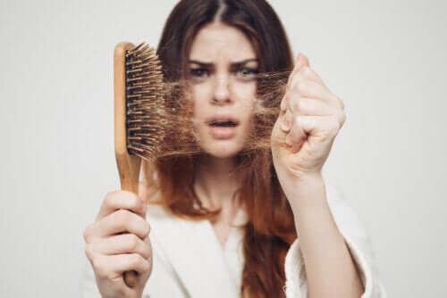 Seasonal Hair Loss: Why Does It Happen in the Fall?