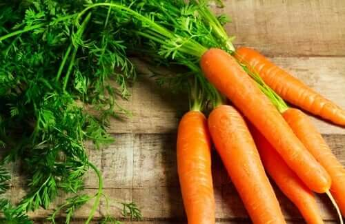 The color of food and carrots.
