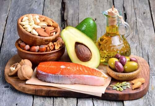 Mat med hälsosamma fetter.