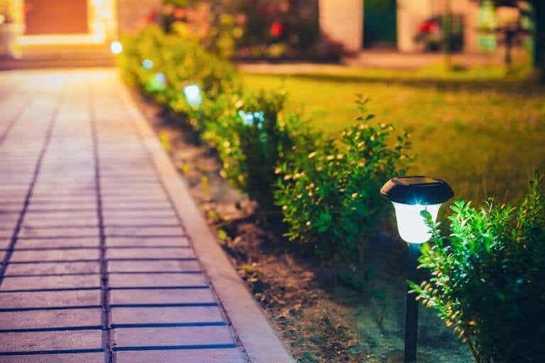 How to Make Exterior Lanterns to Decorate Your Yard