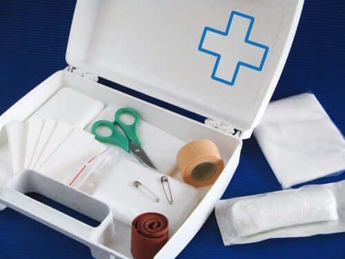 Första hjälpen-kit