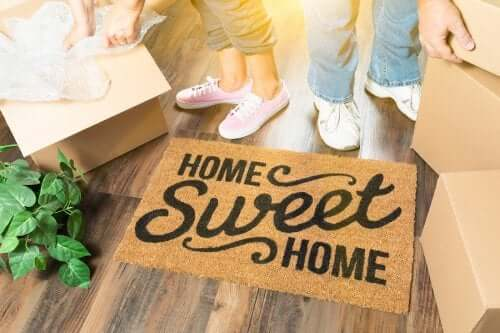 "A doormat with the ""Home Sweet Home"" phrase."