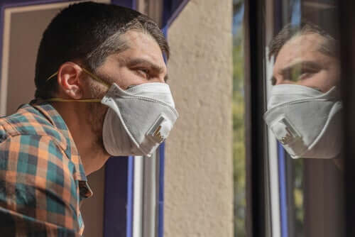How to Live with a Person with Coronavirus