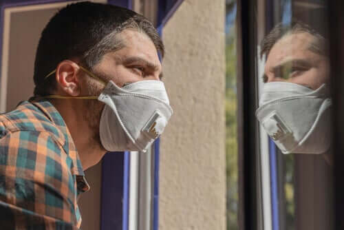A man with coronavirus fear.