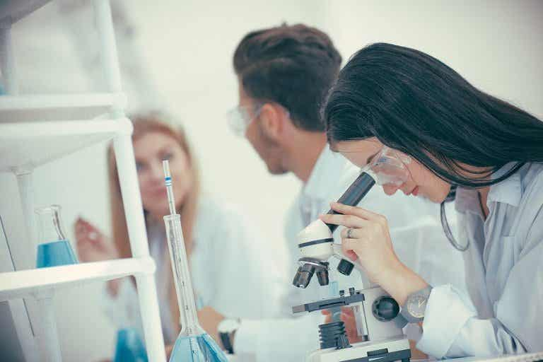 Vitamins and Melatonin in the Fight Against Coronavirus