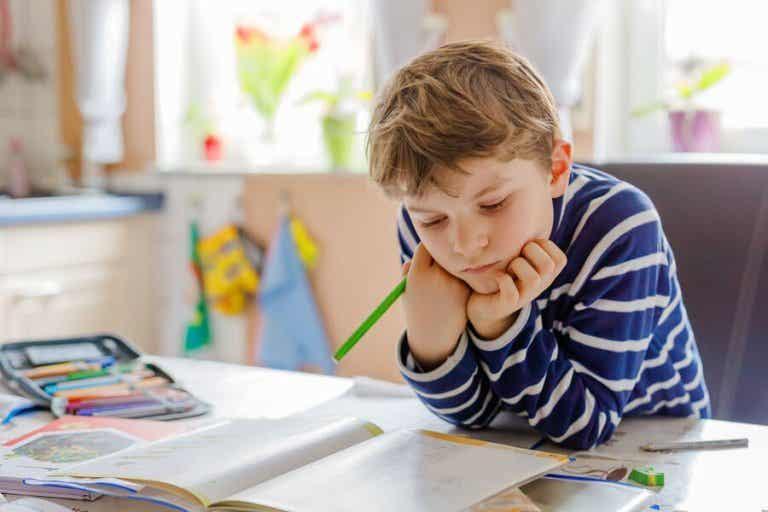 Handicrafts to Organize Your Children's Study Area