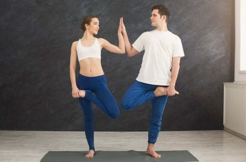 Couples Yoga: A Way to Strengthen Your Relationship