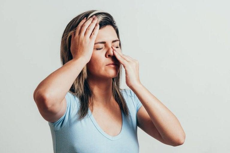 6 Essential Oils to Combat Sinusitis