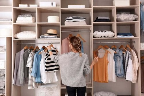 Tips To Keep Clothes from Accumulating in Your Closet