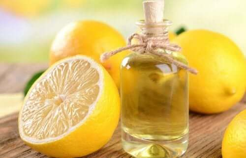 Furniture cleaner with lemon.