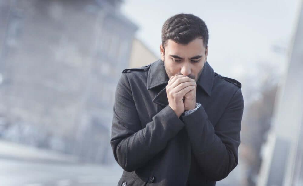 A man who is afraid of contracting coronavirus.