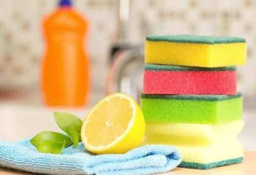 Sponges, cloth, and a lemon.
