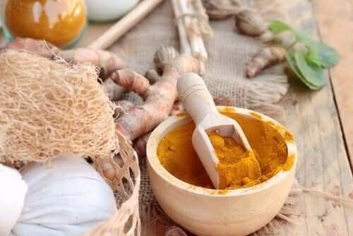 A turmeric treatment with honey.