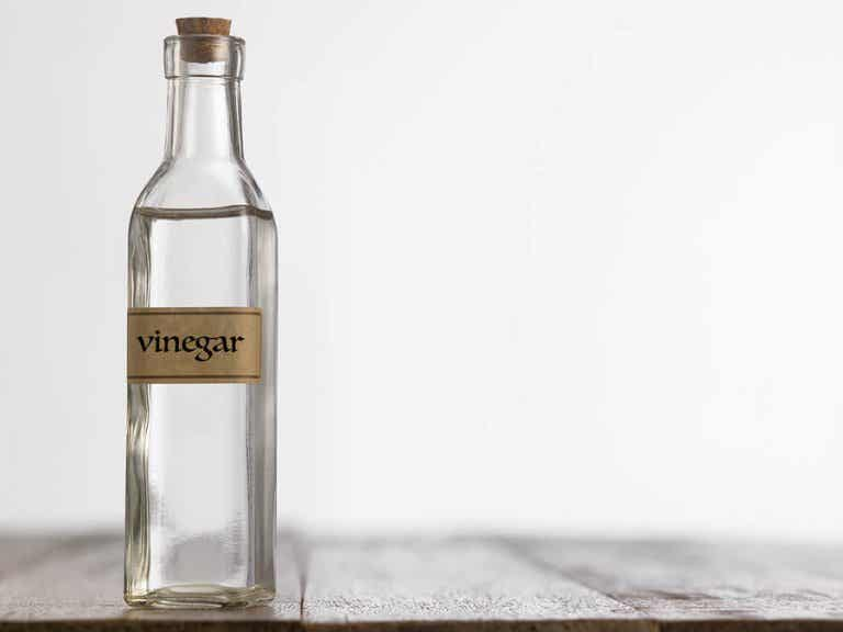 How to Use White Vinegar to Clean Your House