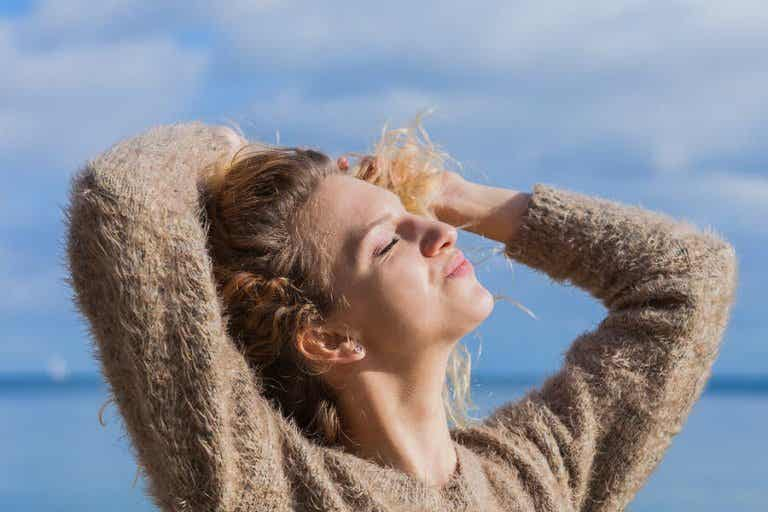 5 Natural Remedies to Protect Your Hair from the Sun