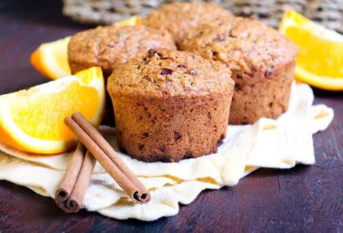Muffins with orange and cinnamon.
