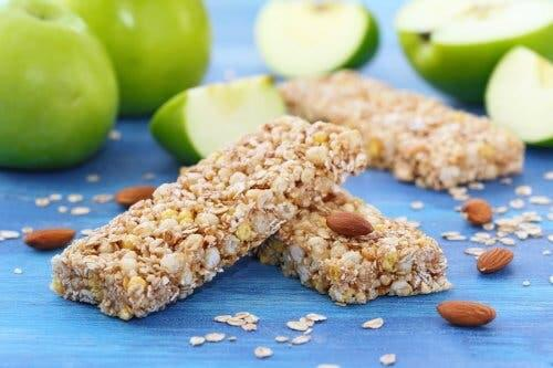 Homemade energy bars with green apples.