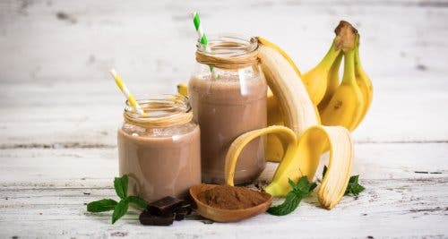 Banana, oat, and cacao smoothie.