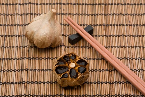 Black garlic to reduce cholesterol.