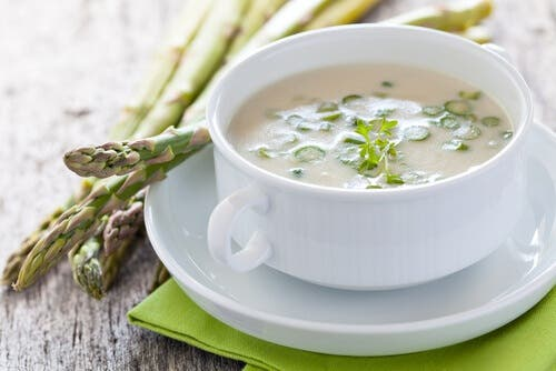 A bowl of cream of asparagus.