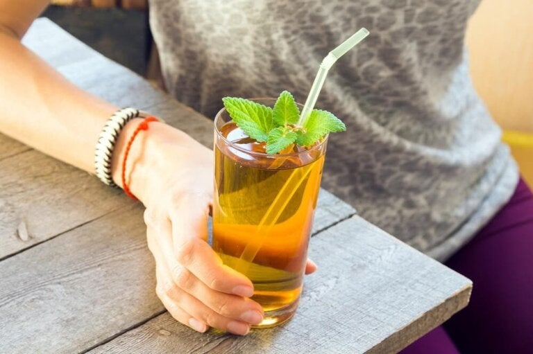 How To Fight Irritable Bowel Syndrome with Mint