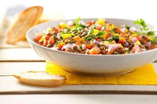 Lentil recipes: lentil salad in a bowl.