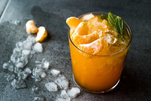 Citrus drink with mandarin oranges.