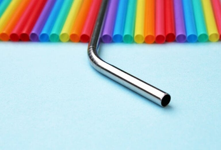 Metal Straws: An Alternative to Reduce Your Plastic Footprint