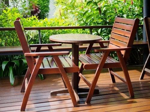 A table set.